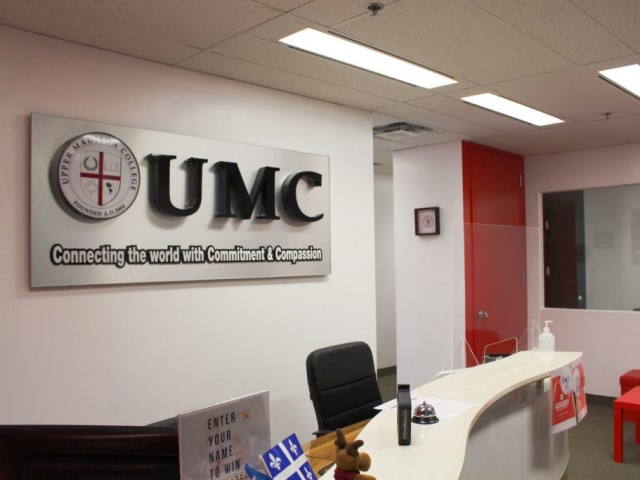 Upper Madison Collegeモントリオール校3