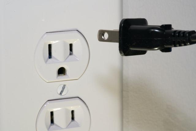 カナダの電源電圧事情